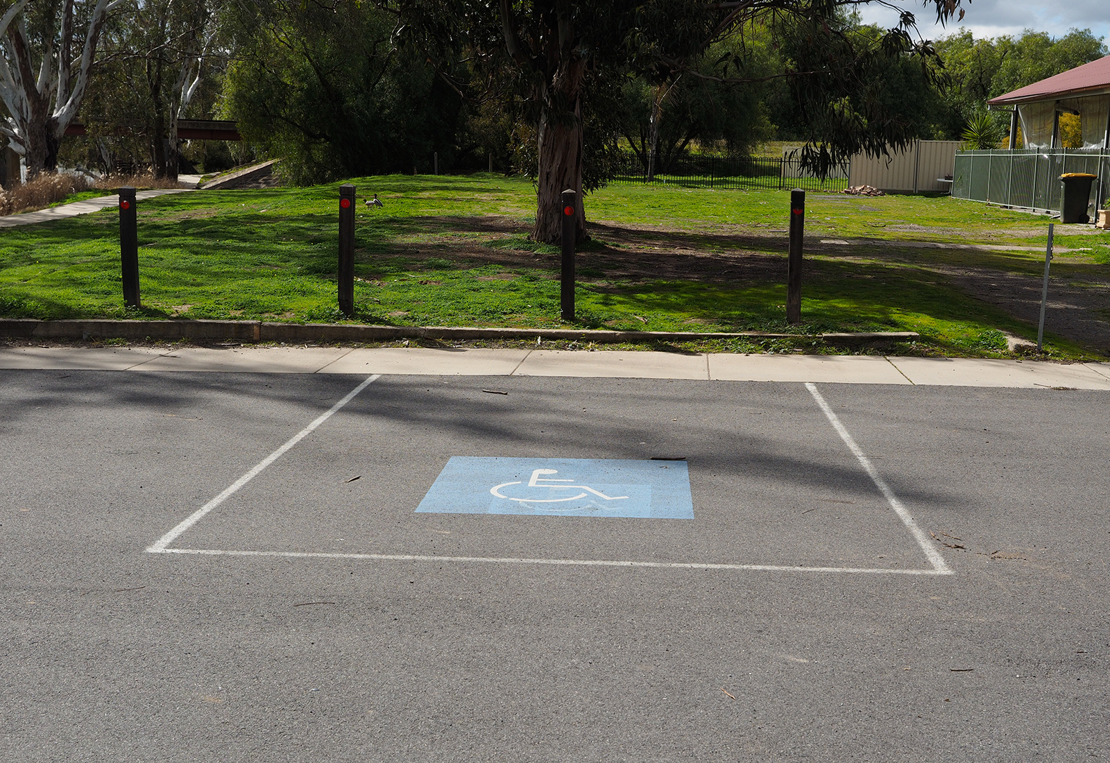 Disabled parking at the Loddon River picnic area in Bridgewater