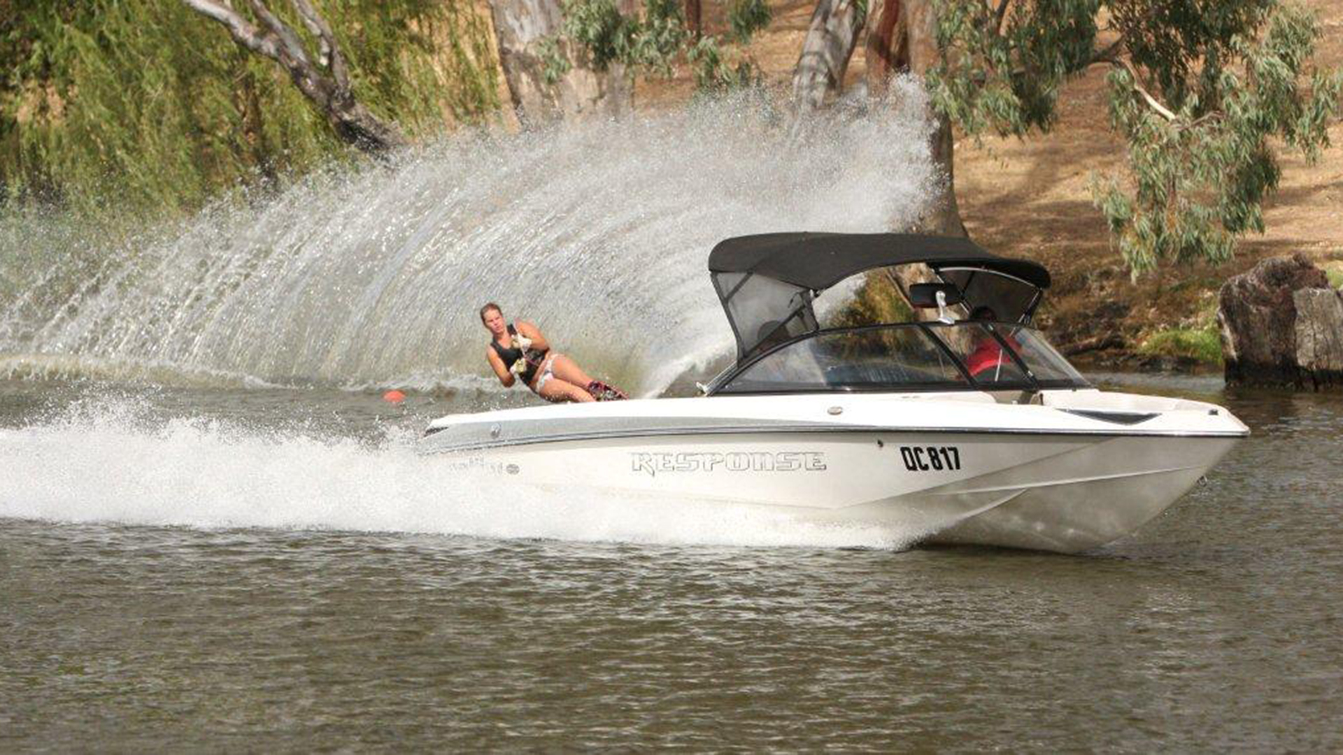 Water skiing on the Loddon River