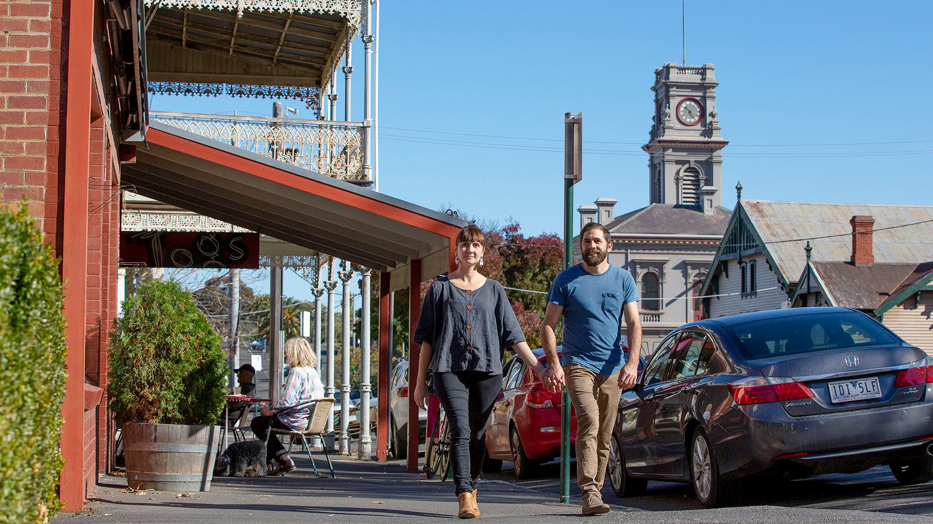 Explore the heritage streetscapes of Castlemaine and Maldon