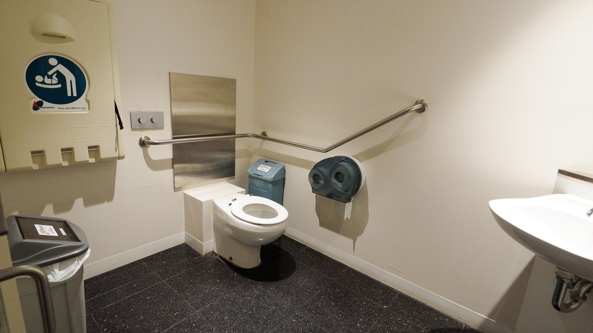 An accessible toilet is located near the View Street entry