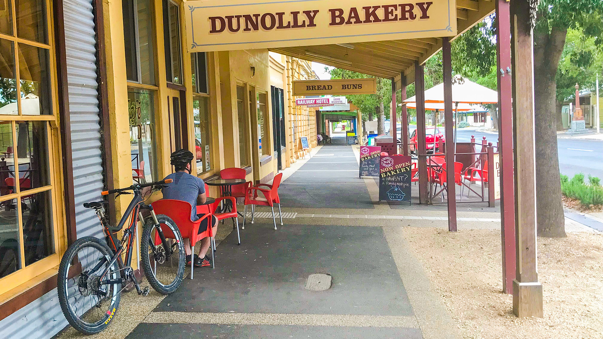 Dunolly Cafe