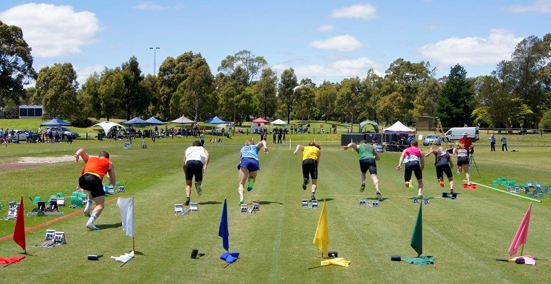 Races at the Castlemaine Gift