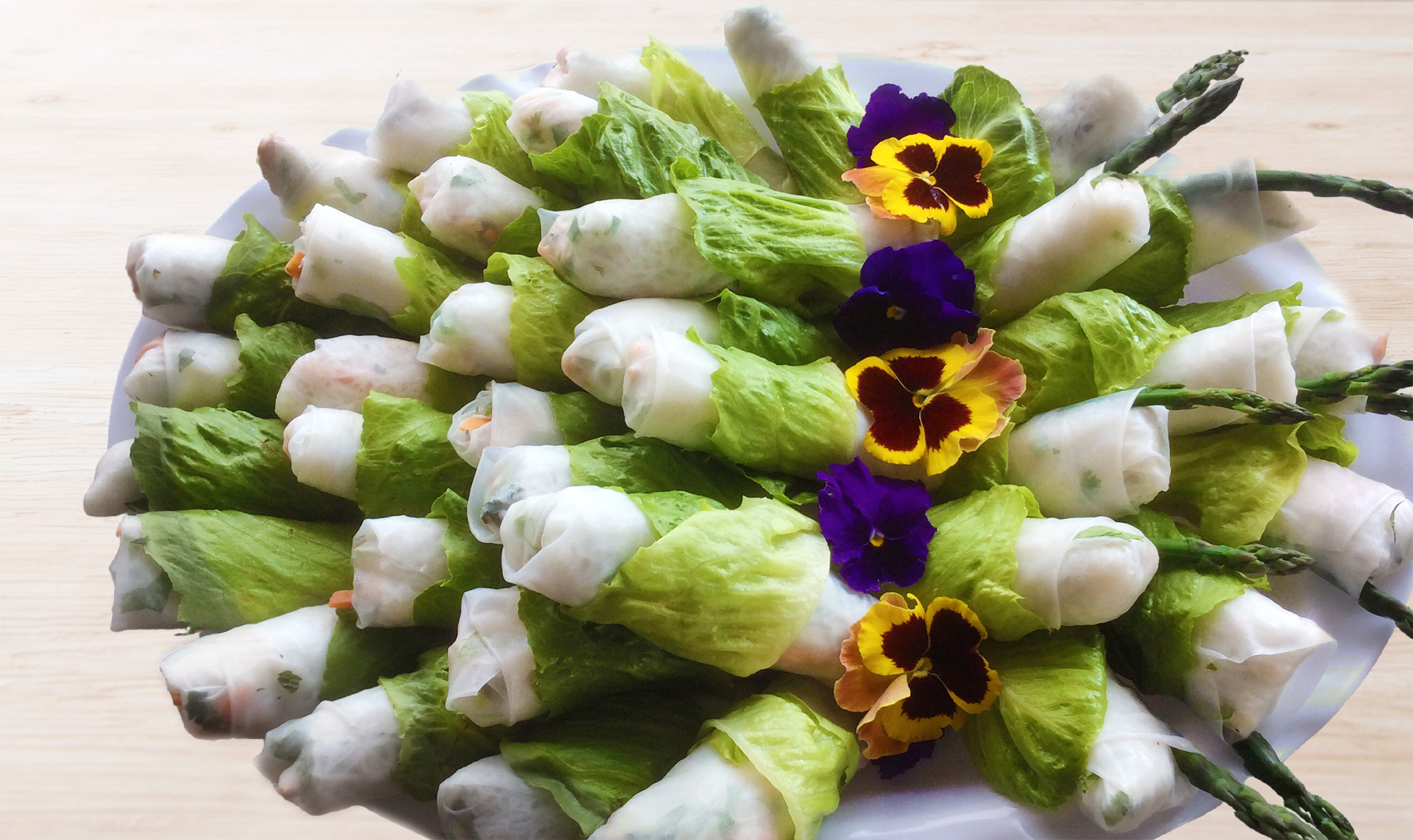 Traditional Arts Fair Workshop – Duang's Wrap and Roll Photo